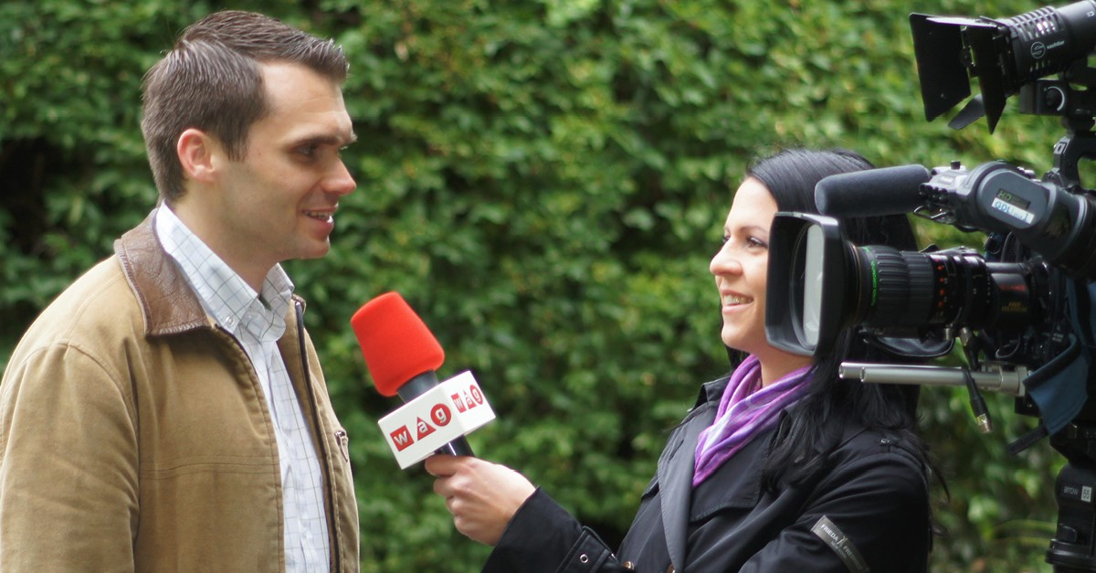 Michael Scharfmüller bei einem Interview